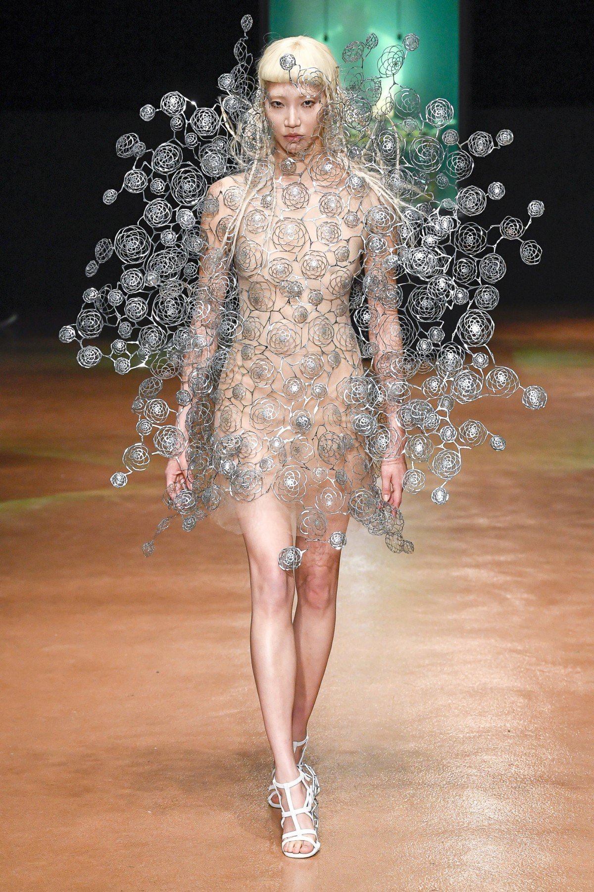 IRIS VAN HERPEN – FALL/WINTER 2018 PFW