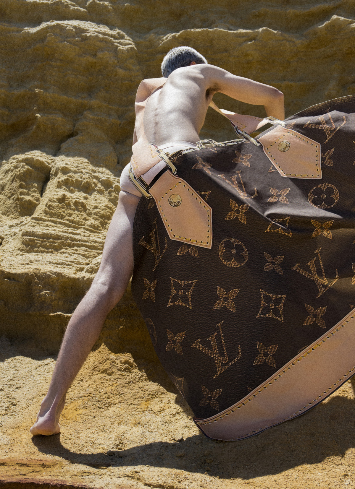 EDITORIAL : THAT BAG IS FAKE !
